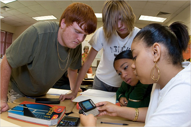 5 Ways How Mobile Phones Are Used (or not) In the Classroom